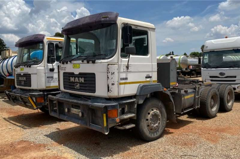 MAN Truck tractors Double axle F2000 33.374 6x4 T/T 2003