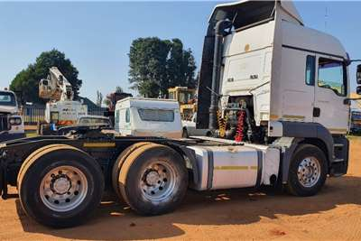 MAN Double axle TGA 26 400 Truck tractors