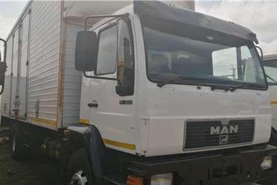 MAN Van body 16 223 Truck