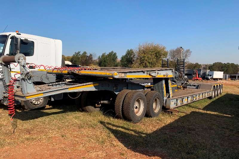 Martin Trailers Lowbed Martin 75 ton Lowbed with dolly and winch inlcuded 2002