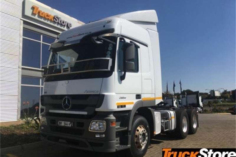 Mercedes Benz Actros Truck-Tractor 2654LS/33 HYP 2015