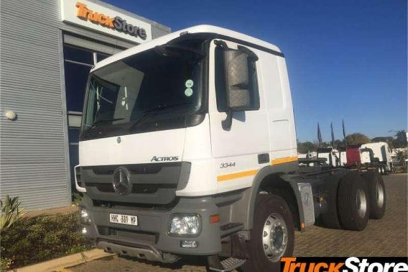 Mercedes Benz Actros Truck-Tractor 3344S/33 S 2014