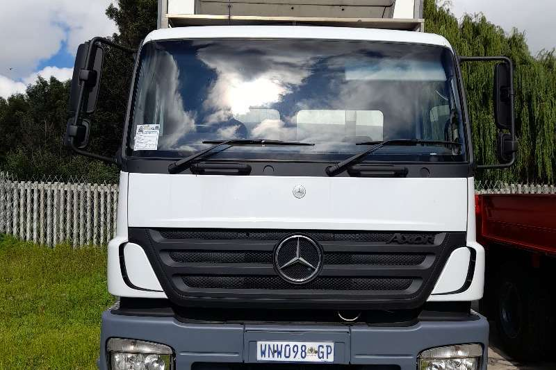 Mercedes Benz MERCEDES BENZ AXLE 2528 FRIDGE BODY TRUCK Box trucks