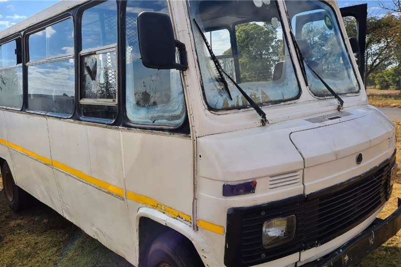 Mercedes Benz Buses 32 seater Mercedes Benz 508 Bus with 314 ADE Motor