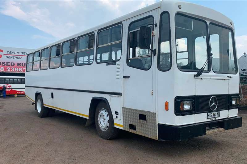 Mercedes Benz Buses 60 seater MERCEDES BENZ 1417 BUSMARK 2000 BODY (53 SEATER) 2002