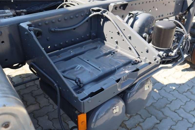 Mercedes Benz Axor 3335K/36 6x4 Chassis cab trucks