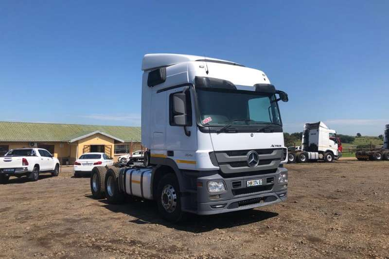 Mercedes Benz MERC 2646, MILEAG ONLY 102340kms, BRAND NEW ENGINE Chassis cab trucks