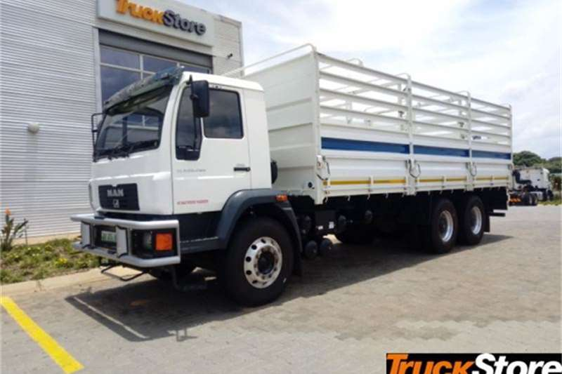 Mercedes Benz CLA Truck 26.280 DROPSID 2015