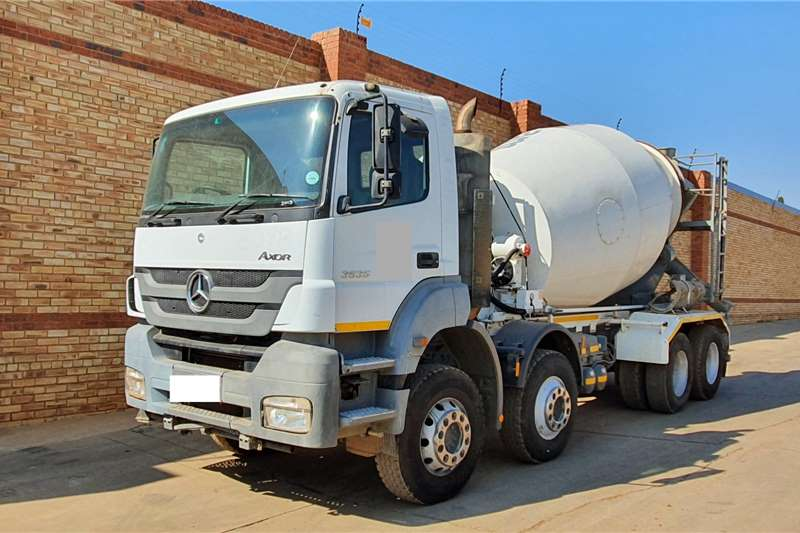 Mercedes Benz Concrete mixer trucks AXOR 3535,8x4 WITH 9 CUBE CONCRETE MIXER EQUIPMENT 2013