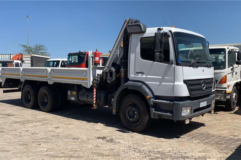 Mercedes Benz Crane trucks MERC BENZ AXOR 2628 DROPSIDE WITH HIAH 166 CLX CRA 2009