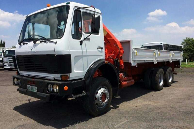 Mercedes Benz Dropside trucks 2219 DROPSIDE WITH CRANE 5 CYL DIESEL 1991