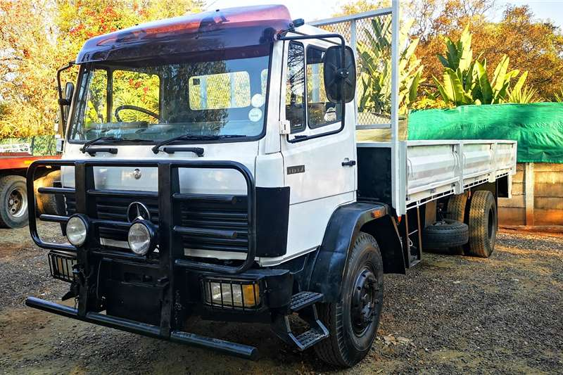 Mercedes Benz Dropside trucks m/benz 1617 8ton dropside with ade366 turbo 1996