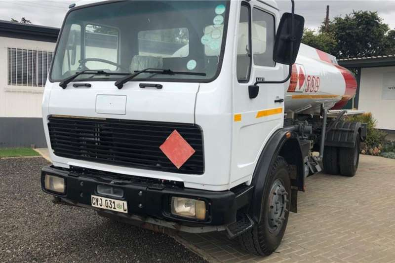 Mercedes Benz Fuel tanker 1413 fitted with 352t Engine 8,000lts Diesel Bowse