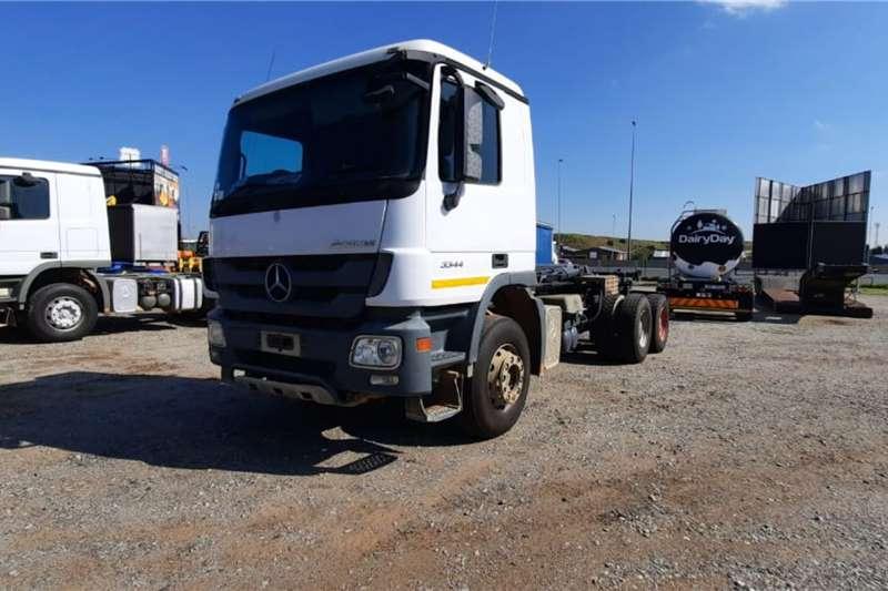 Mercedes Benz Hooklift trucks Actros 3344 6x4 Rigid Truck Hooklift 2014