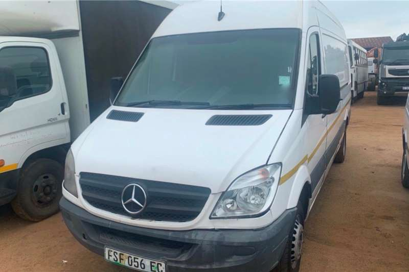 Mercedes Benz LDVs & panel vans SPRINTER 515CDI 2011