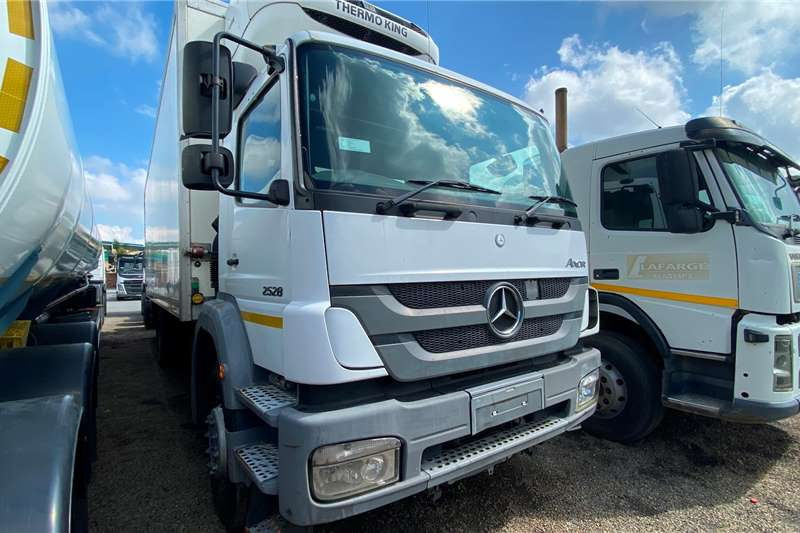 Mercedes Benz AXOR 2528 Tag Axle Refrigerated trucks