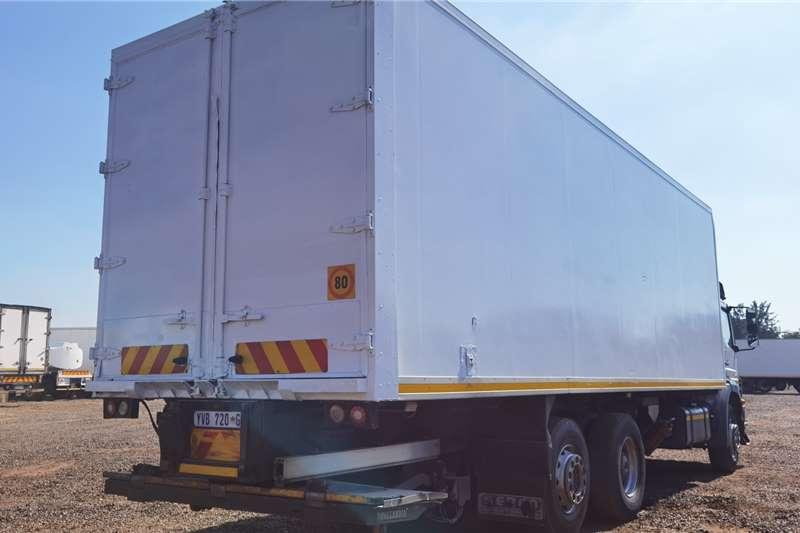 Mercedes Benz MERCEDES BENZ AXOR 2528 Refrigerated trucks