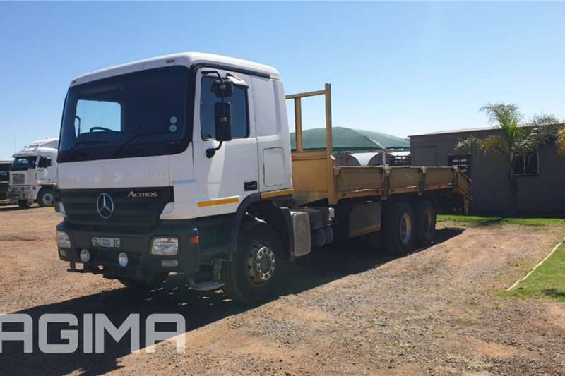 Mercedes Benz Actros 3331 Dropside & Ramps Rollback trucks