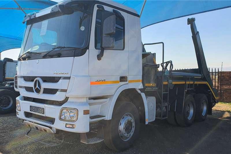Mercedes Benz Skip bin loader trucks Actros 3344 MP3 Skip Bin Loader 2014