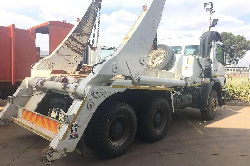 Mercedes Benz Axor 2628 F/C 13 Ton TFM SM16 Skip Loader Skip bin loader trucks