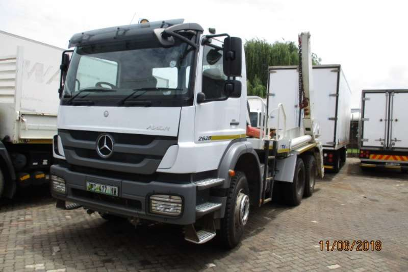 Mercedes Benz Skip bin loader trucks MERC 2628 WITH 16TON TFM SKIP LOADER 2016