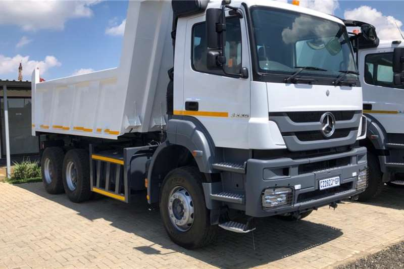 Mercedes Benz Tipper trucks 2014 Mercedes Benz Axor 3335 Tipper 2014