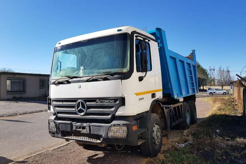 Mercedes Benz Tipper trucks 3331 with 10cube tipper bin 2004