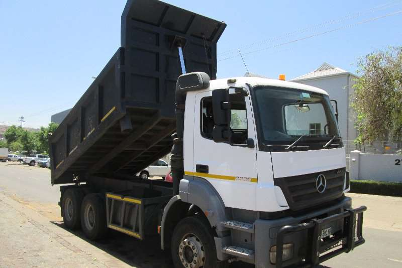 Mercedes Benz Tipper trucks 3335 2010