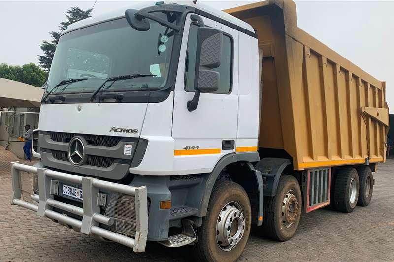 Mercedes Benz Tipper trucks MERCEDEZ BENZ ACTROS 4144 TWIN STEER 2012