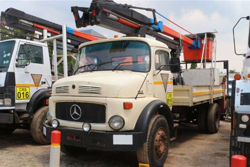 Mercedes Benz Truck 1517 Bullnose Cherry Picker 1984
