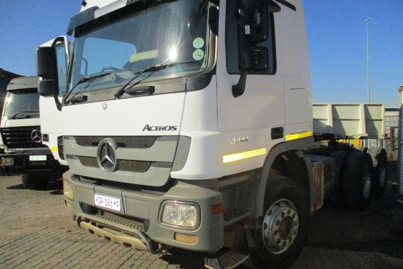 Mercedes Benz Truck 33 44 2013