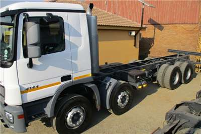 Mercedes Benz Truck 41-44 Twin Steer Chassis cab 2014