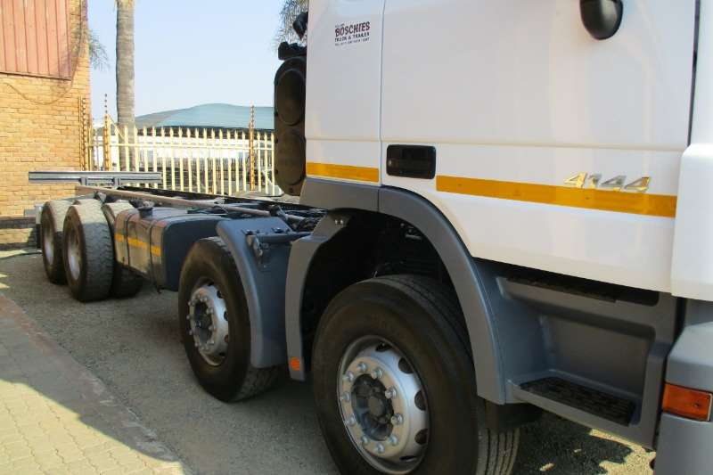 Mercedes Benz 41 44 Twin Steer Chassis cab Truck