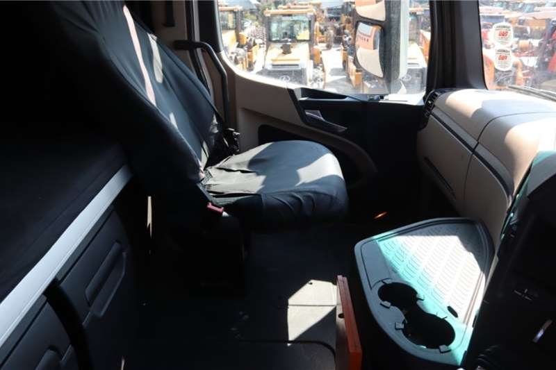 Mercedes Benz Actros 2645LS/33 6x4 Horse Truck
