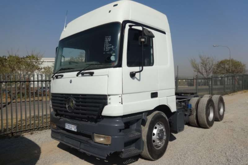 2000 Mercedes Benz Actros 6x4 Mechanical Horse Truck for