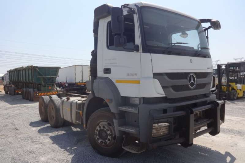Mercedes Benz Truck Axor 3335/33 6x4 Mechanical Horse 2013