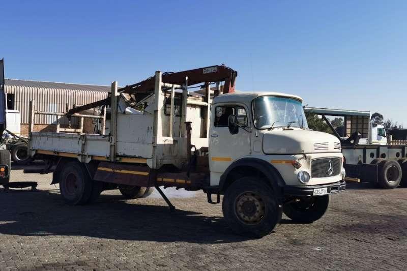 Mercedes Benz Truck Bullnose 1513 4x4 with crane 1981