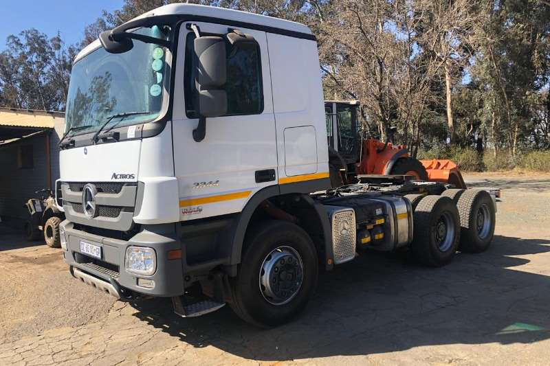 Mercedes Benz Truck Chassis cab 3344 2015