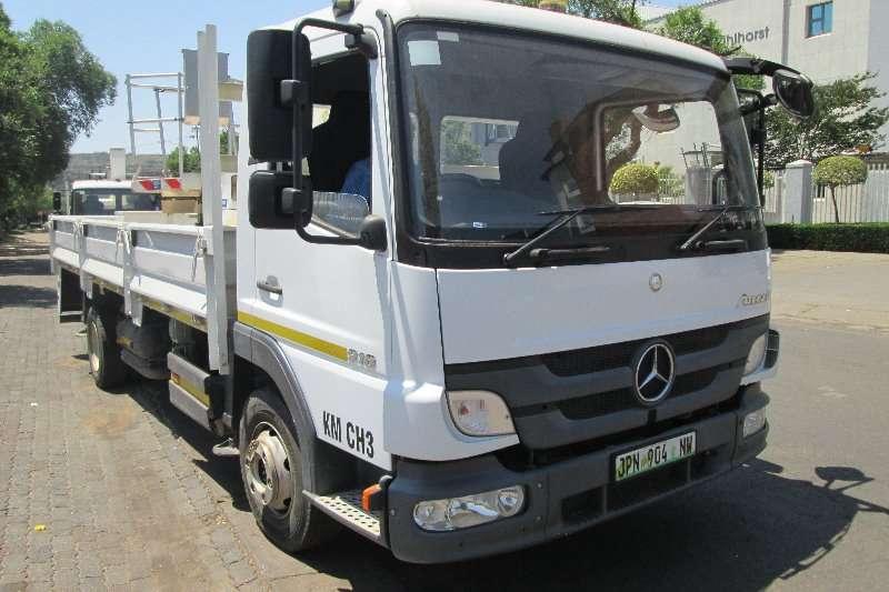Mercedes Benz Truck Cherry picker 918 2016