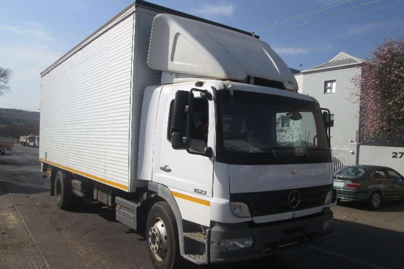 Mercedes Benz Truck Closed body 1523 2008