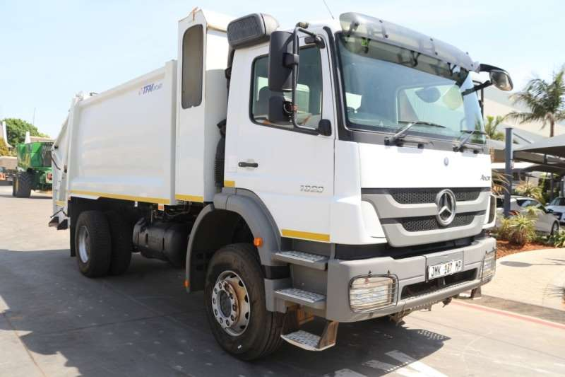 Mercedes Benz Truck Compactor Axor 1823 Compactor 2016