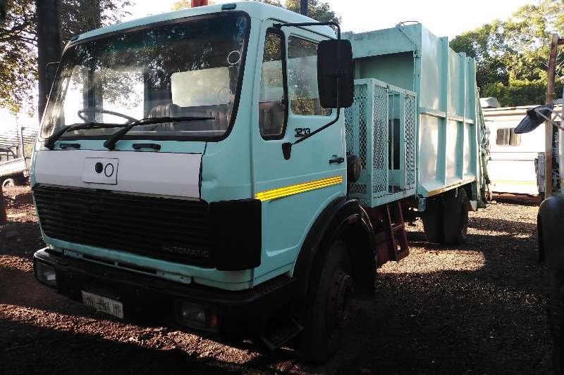 Mercedes Benz Truck Compactor m/benz compactor