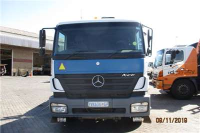 Mercedes Benz Truck Crane Truck MERC BENZ 2628 AXOR WITH HIAB 166XS CRANE 2009