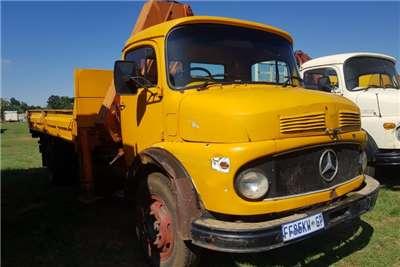 Mercedes Benz Crane truck Mercedes Benz Bull nose Crane Truck Truck
