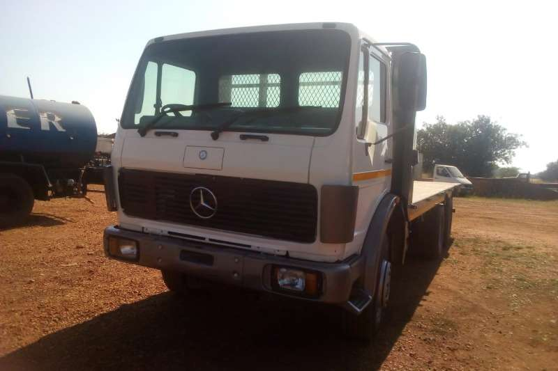 Mercedes Benz Truck Flat deck MERCEDES BENZ FLAT DECK 1982