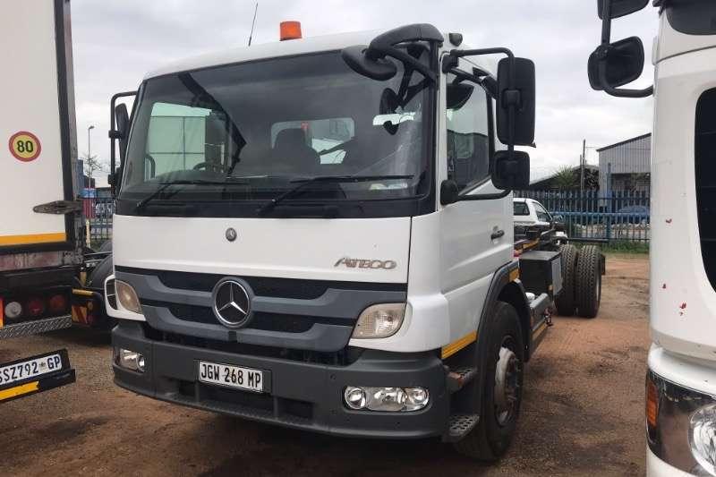 Mercedes Benz Truck Hooklift ATEGO 1528 2013