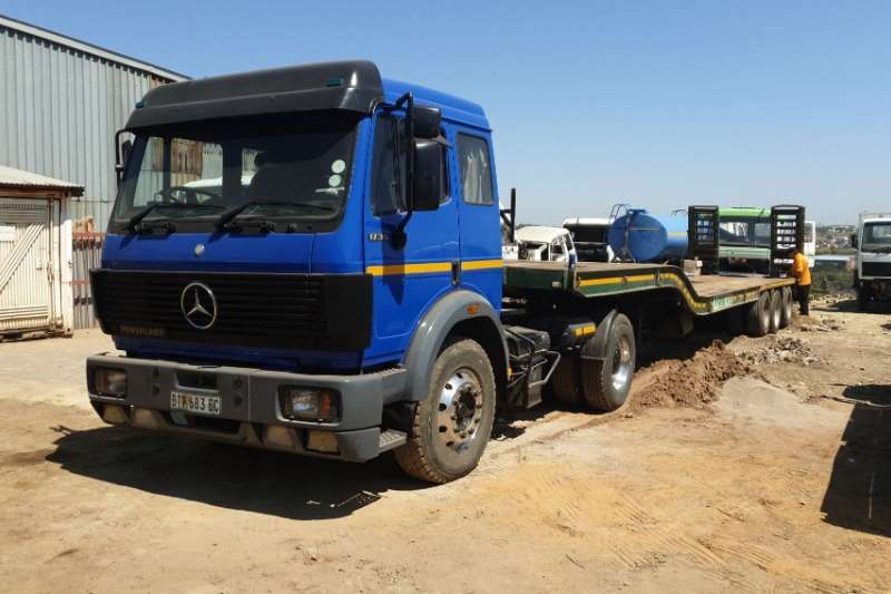 Mercedes Benz Lowbed 17 35 merc powerliner with two axel low bed Truck
