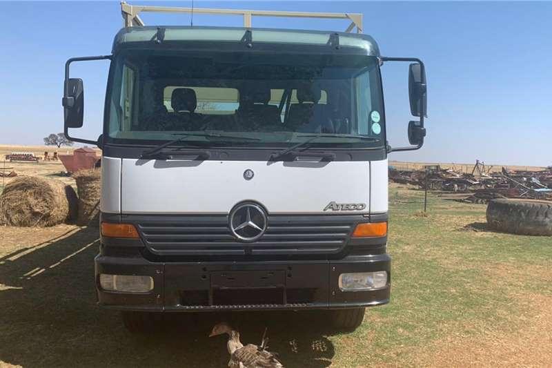 Mercedes Benz Mercedes Benz 1528 Ateco Met 8m Bak Truck