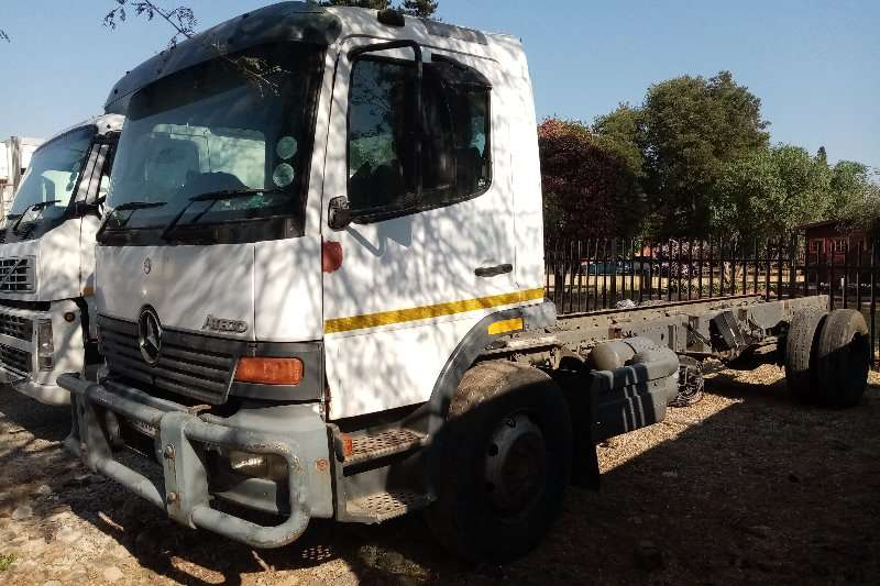 Mercedes Benz Truck Mercedes   Benz Atego 1317 Chassis Cab 2005