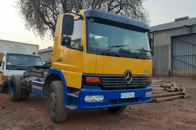 Mercedes Benz Truck Mercedes Benz Atego 1523 Truck Tractor 4x2 2002